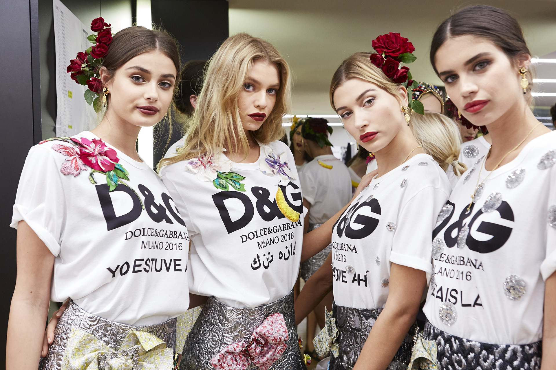 dolce-and-gabbana-summer-2017-women-fashion-show-backstage-70