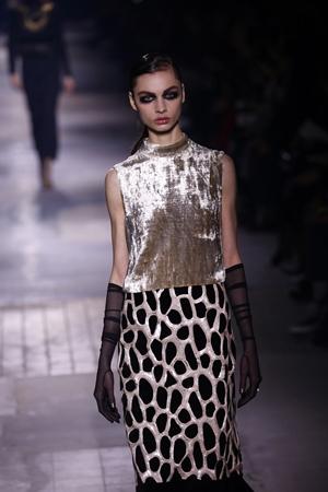 DRIES VAN NOTEN Paris Fashion Week Fall Winter 2016